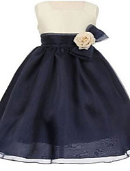Ball Gown Knee-length Flower Girl Dress - Organza Sleeveless Square with Bow(s) / Flower(s) / Sash / Ribbon