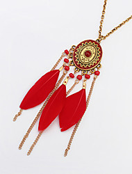 Necklace Pendant Necklaces Jewelry Party / Daily / Casual Bohemia Style / Fashionable / Vintage Alloy / FeatherBlack / White / Red /