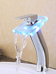 Contemporain Vasque LED / Cascade / Tactile/non tactile with  Valve en laiton Mitigeur un trou for  Chromé , Robinet de baignoire /