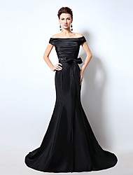 Formal Evening Dress Trumpet / Mermaid Off-the-shoulder Court Train Satin with Bow(s) / Pleats / Crystal Brooch
