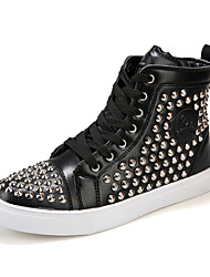 Men Rivets Fashion High-top Skateboarding Shoes
