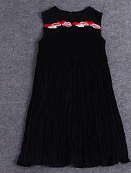 sencilla demostración de salir sencilla cuello redondo suelta dresssolid / impresión por encima de la rodilla sin mangas de seda negro