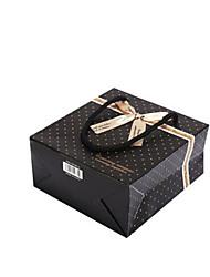Four 30Cm * 27Cm * 12Cm Black Spots Gift Bags Per Pack