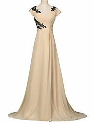 Formal Evening Dress - Elegant A-line V-neck Sweep / Brush Train Chiffon with Appliques Pleats