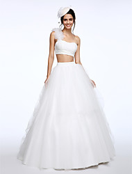 LAN TING BRIDE Ball Gown Wedding Dress Two-in-One Sweep / Brush Train One Shoulder Lace Tulle with Flower