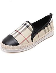 Для женщин Мокасины и Свитер Удобная обувь Микроволокно Осень Повседневные Удобная обувь В клетку На плоской подошве Черный МиндальныйНа