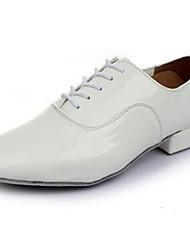 oxfords dos homens primavera / outono couro dedo do pé fechado ao ar livre / ocasional calcanhar pedaços de rendas-up preto / branco outro