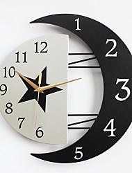 Moderne/Contemporain Niches Horloge murale,Autres Métal / Bois 32*31CM Intérieur Horloge