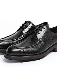 Для мужчин Туфли на шнуровке Удобная обувь Кожа Для офиса Для вечеринки / ужина Черный Кофейный Менее 2,5 см