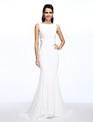 Lanting Bride® Trumpet / Mermaid Wedding Dress Court Train Bateau Chiffon with Button / Lace