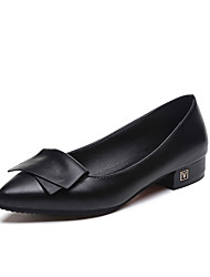 Damen Flache Schuhe Komfort PU Frühling Normal Walking Komfort Applikation Niedriger Absatz Weiß Schwarz Grau Rot 5 - 7 cm