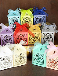 100pcs love Shaped Laser Cut Hollow Carriage Favors Box Gifts Candy Boxes With Ribbon Bridal Shower Wedding Event Party Supplies