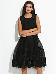 Women's Embroidery Going out Vintage / Sophisticated Swing DressEmbroidered Round Neck Knee-length Sleeveless Pink / Black