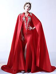 Formeller Abend Kleid - Vintage inspiriert Trompete / Meerjungfrau V-Ausschnitt Pinsel Schleppe Spitze Polyester Mikado mitPerlstickerei