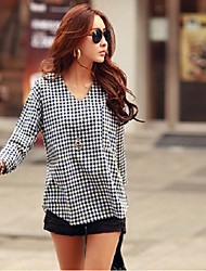 New women's large size women's cotton long-sleeved plaid shirt pocket female