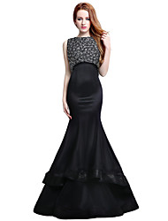 Mermaid / Trumpet Jewel Neck Court Train Satin Tulle Formal Evening Dress with Beading