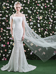 Mermaid / Trumpet Bateau Court Train Lace Tulle Wedding Dress with Flower