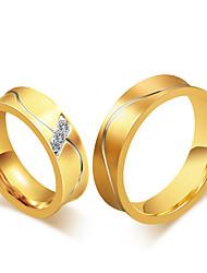 Casal Anéis Grossos Anel Zircônia cúbica Moda Vintage Estilo simples Elegant Zircônia Cubica Aço Titânio 18K ouro Forma Redonda Jóias Para