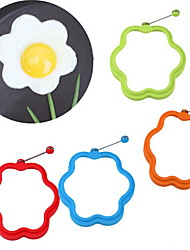 Flower Shaped Silicone Scramble Egg Mold Ring Breakfast Omelette Mould (Random Color)