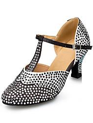 Damen Latin Seide Kunstleder Sandalen Sneakers Professionell Strass Verschlussschnalle Blockabsatz Schwarz/Weiß 5 - 6,8 cm Maßfertigung