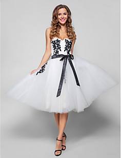A-line Sweetheart Knee-length Tulle Cocktail/Prom Dress
