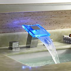 Modern 3-gats kraan LED / Waterval with  Keramische ventiel Twee handgrepen drie gaten for  Chroom , Wastafel kraan