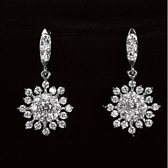 Grasiøs platinert Med Zirkon Snowflake Shaped Kvinners Drop Earrings