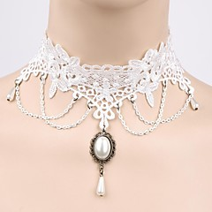 A White Lace Princess Palace Pearl Necklace Clavicular Necklace