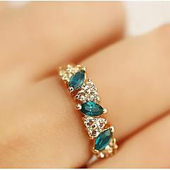 Tyylikkäät sormukset Smaragdi Kristalli Tekojalokivi jäljitelmä Diamond Metalliseos Kultainen Korut Päivittäin Kausaliteetti 1kpl