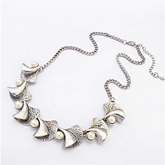 Fashion Horn Inlaid Pearl Necklace