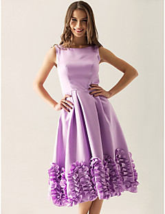 Knee-length Satin Bridesmaid Dress - A-line / Princess Bateau Plus Size / Petite with Ruffles