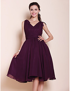 Lanting Bride® Knee-length Chiffon Bridesmaid Dress A-line / Princess V-neck Plus Size / Petite with Bow(s) / Draping / Ruching