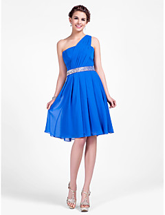 Knee-length Chiffon Bridesmaid Dress A-line / Princess One Shoulder Plus Size / Petite with Beading / Draping / Side Draping