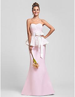 תחרה חצוצרה / בת הים מתוקה באורך הרצפה peplum ושמלת השושבינה סאטן עם אבנט / סרט