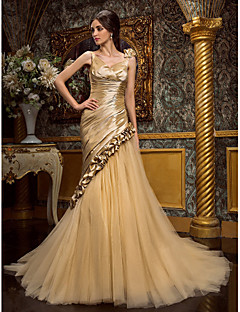 Lanting Trumpet/Mermaid Plus Sizes Wedding Dress - Champagne Court Train V-neck Tulle/Taffeta