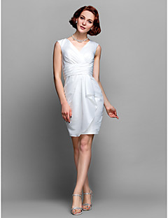 Lanting Bride® Sheath / Column Plus Size / Petite Mother of the Bride Dress Knee-length Sleeveless Taffeta with Ruching