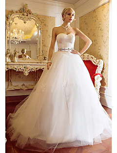 Ball Gown Plus Sizes Wedding Dress - Ivory Sweep/Brush Train Sweetheart Tulle/Satin