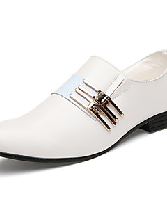 Men's Spring / Fall Comfort / Pointed Toe Leatherette Office & Career / Casual Flat Heel Black / Brown / White