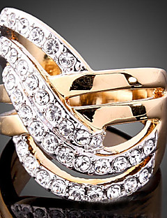 uttalelse Ringe Kubisk Zirkonium Gullbelagt imitasjon Diamond 24K Plated Gold Legering Mote Skjermfarge Smykker Fest 1 stk