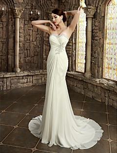 Sheath/Column Petite / Plus Sizes Wedding Dress-Chapel Train Strapless / Sweetheart Satin