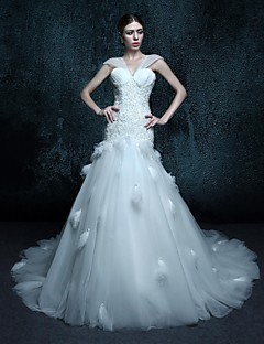 Trumpet/Mermaid Chapel Train Wedding Dress - V-neck Tulle