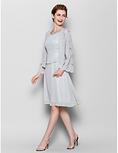 Sheath / Column Plus Size / Petite Mother of the Bride Dress Knee-length Long Sleeve Chiffon with Pattern / Print