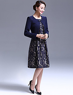 A-line Mother of the Bride Dress Knee-length Long Sleeve Polyester with Pattern / Print