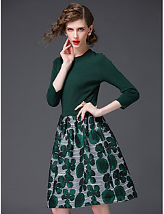 A-line Mother of the Bride Dress Knee-length 3/4 Length Sleeve Polyester with Pattern / Print