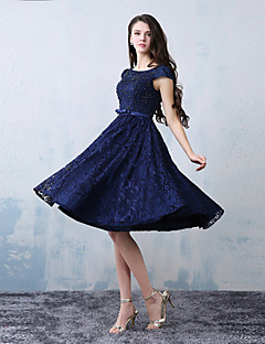 Knee-length Lace / Satin Bridesmaid Dress A-line Scoop with Beading / Lace / Sash / Ribbon