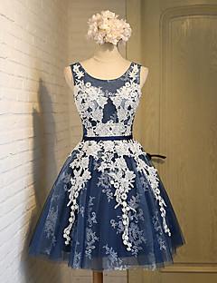 A-line scoop knelengde blonder tulle brudekjole med blonder sash / bånd