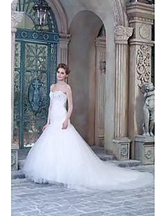 A-라인 웨딩 드레스 스윕 / 브러쉬 트레인 스윗하트 새틴 와 아플리케 / 비즈