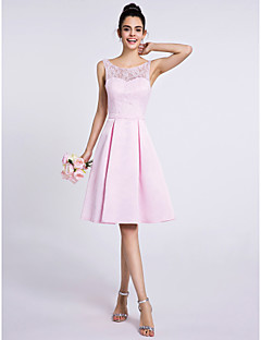 Lanting Bride®Knee-length Lace / Satin Bridesmaid Dress A-line Scoop with Lace