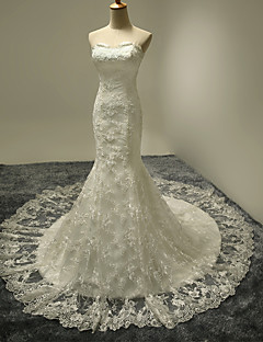 Trumpet / Mermaid Wedding Dress Court Train Sweetheart Lace / Satin / Tulle with Ruffle / Lace
