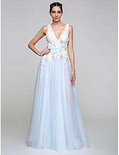 공식적인 저녁 couture® 2017 TS는 아플리케와 V 넥 바닥 길이 얇은 명주 그물 A 라인 드레스 / 나비 (들)